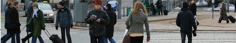 cropped-finland-helsinki-street-scene-5[1]